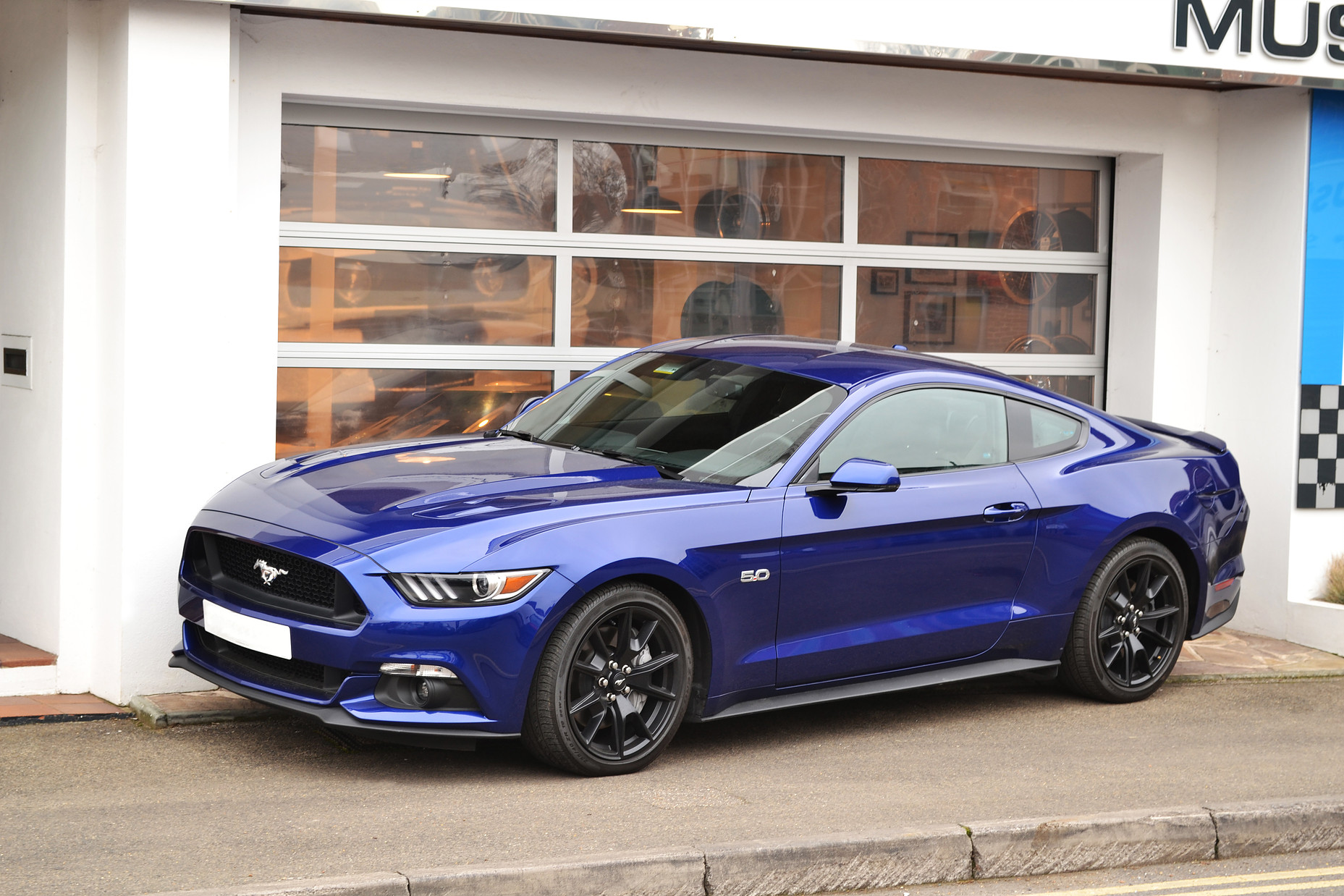 2015 ford mustang 5 0 gt auto for sale uk. Black Bedroom Furniture Sets. Home Design Ideas
